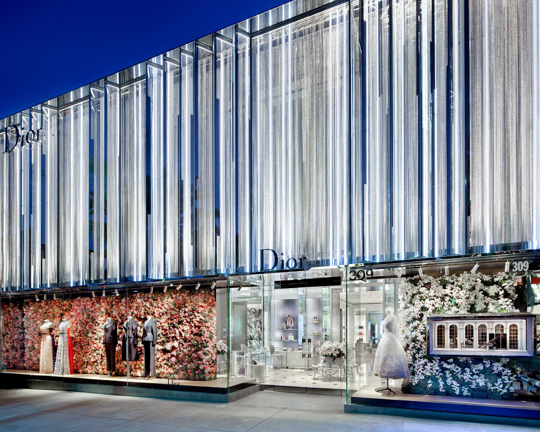 Dior Beverly Hills - Façade_FEATURE