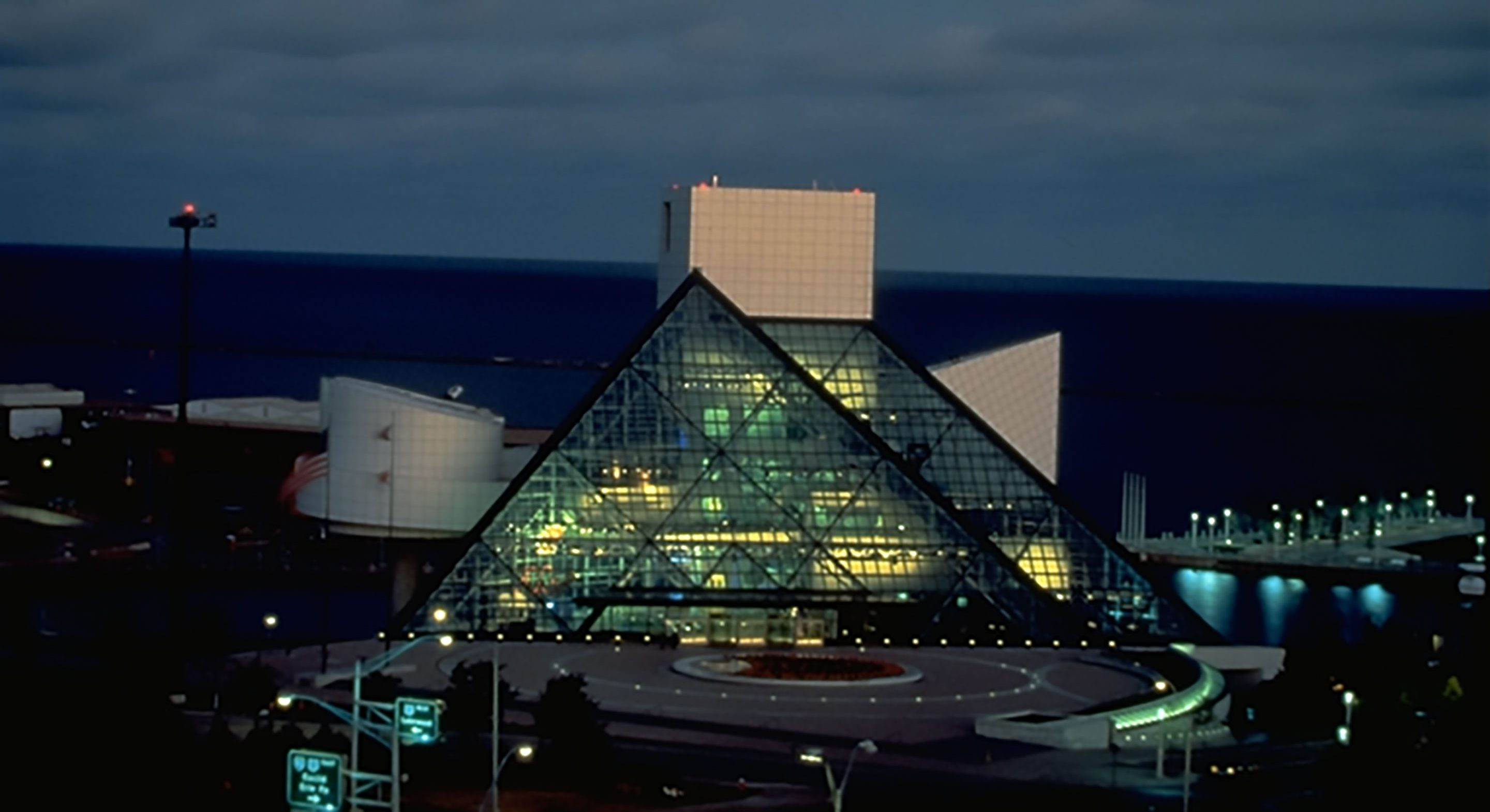 Rock and Roll Hall of Fame and Museum_3